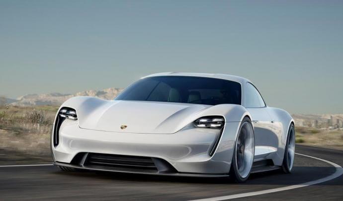 Historic Team reçoit sa première Porsche Taycan!
